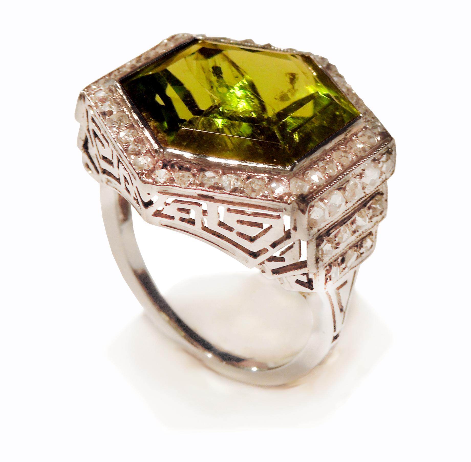 Art decový prsten s olivínem