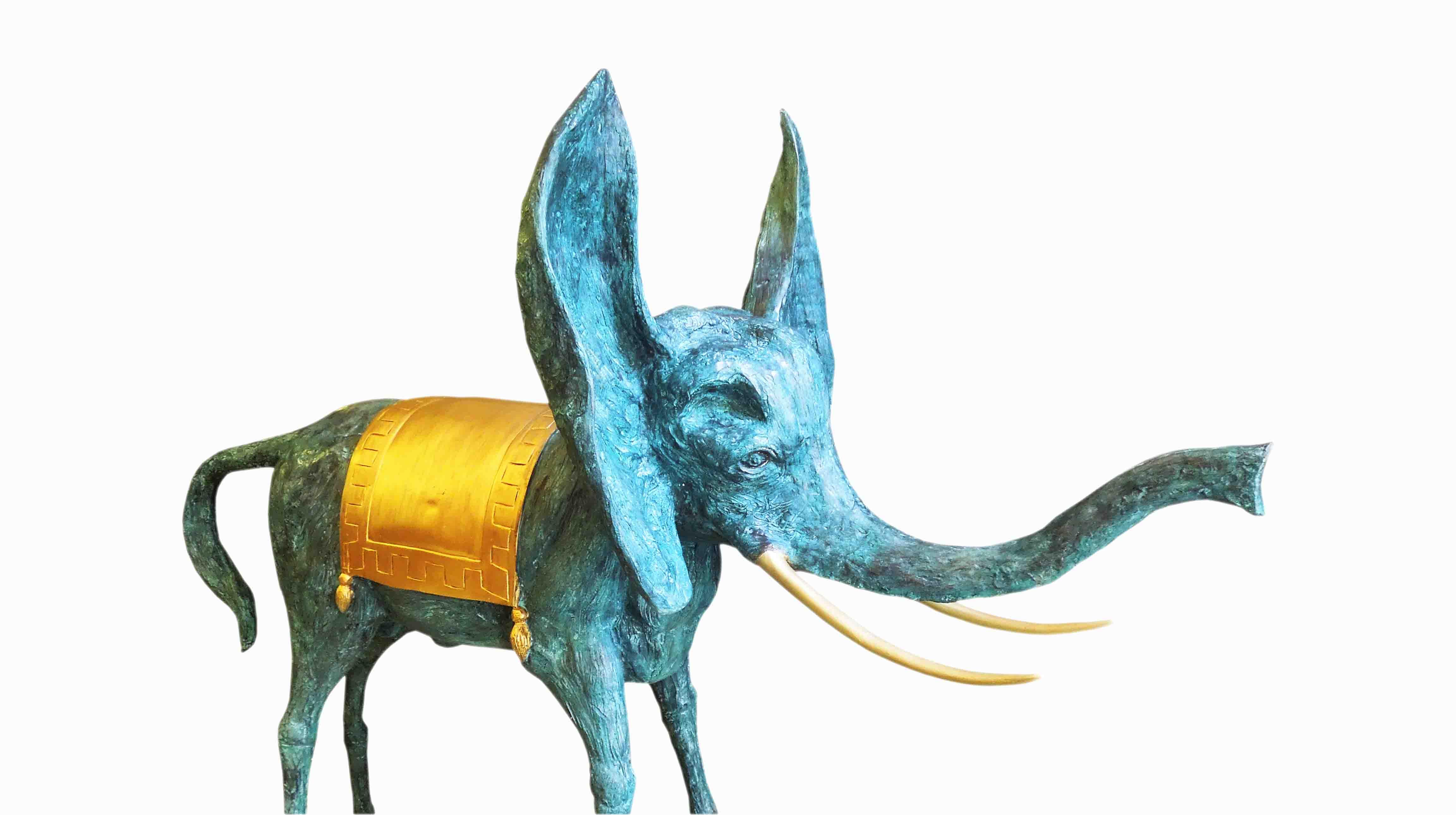 Bronzový slon podle Salvadora Dalího